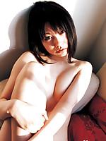 Akina Suzuki Asian with such hot behind shows some juicy boobs